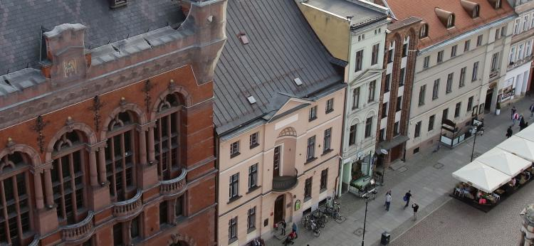 Zdjęcie budynku Domu Harcerza i sąsiednich, fot. Adam Zakrzewski