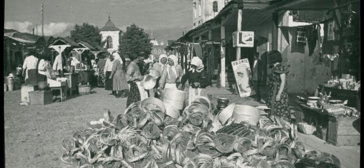 Targ w Pińsku, ok. 1936 r., fot. H. Poddębski, BN
