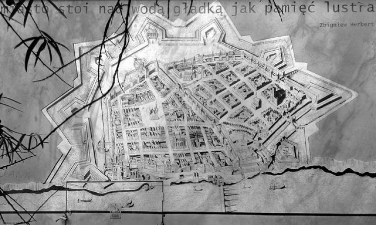 Thu, 2013-10-24 14:58 - Torun | Ulica Podmurna | Podmurna Street
